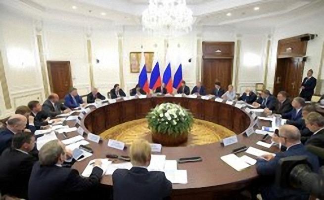 Владимир Путин: «Рабочие места мы должны обеспечивать именно в России»