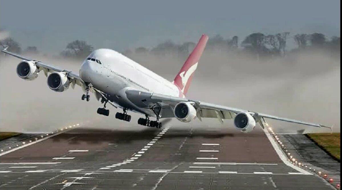 Захватывающие посадки пассажирских самолетов при урагане Сиара (видео): опытные пилоты противостоят сильному боковому ветру