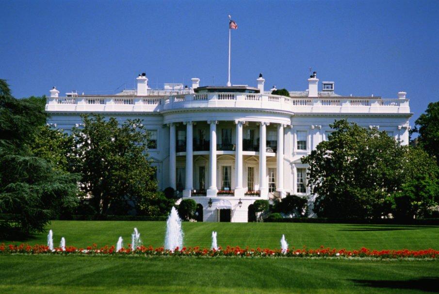 В США задержали мужчину, справлявшего нужду у Белого дома