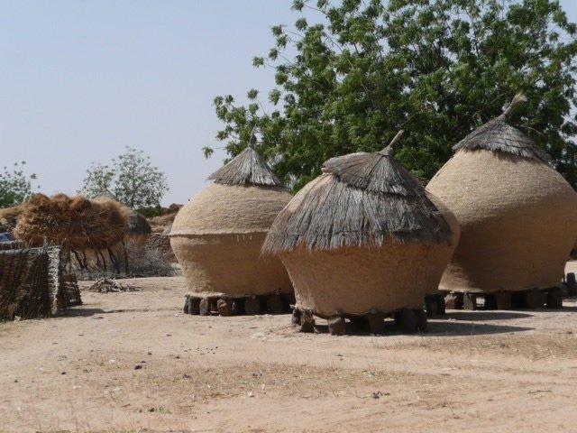 6. А вот так выглядят зернохранилища в Нигери архитектура, африка, интересно, как живут люди, племена Африки, фото