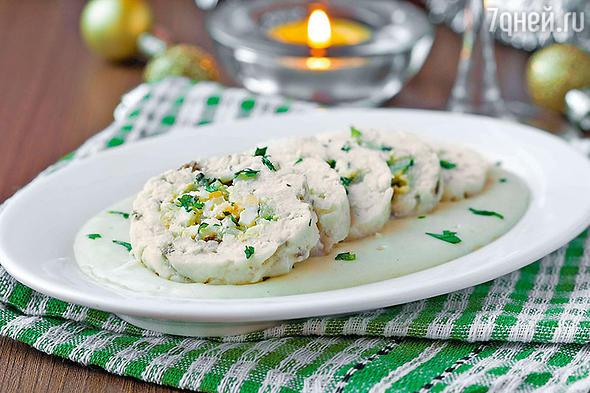 Рецепты от Александра Ковалева: сырные шарики, куриный рулет и морковный торт