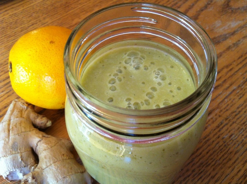Эффективное оружие против простуды! Этот смузи с апельсином и имбирем — настоящая витаминная бомба