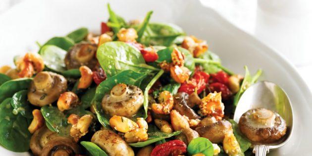 рецепт салата с шампиньонами, кешью и помидорами