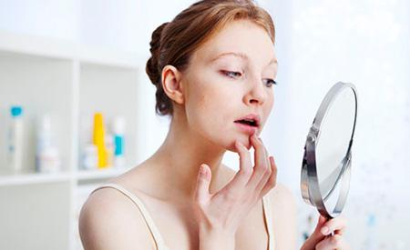 Советы красоты и советы по уходу за губами в холодное время года