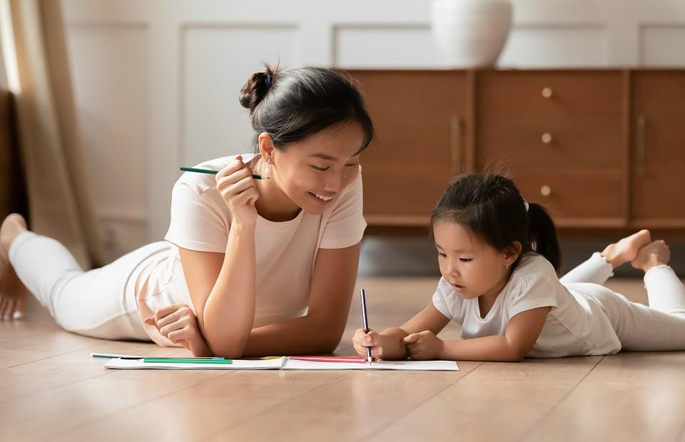 6 типов провокационных вопросов детей, которые ставят родителей в ступор