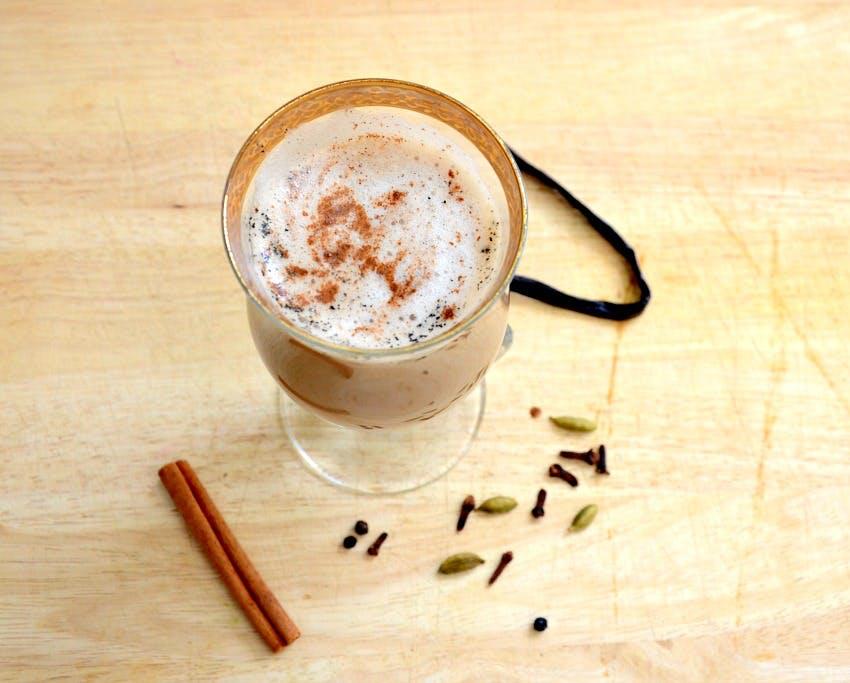 Карамельно-шоколадный чай-латт