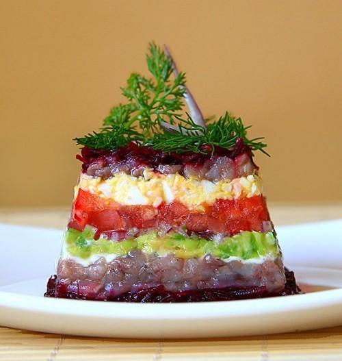 Салаты из свеклы: рецепты для праздничного стола