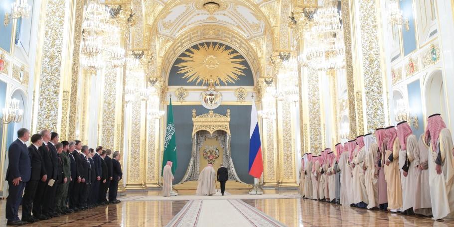 Эскалатор не Путина или Король Салман привез в Москву невиданную роскошь