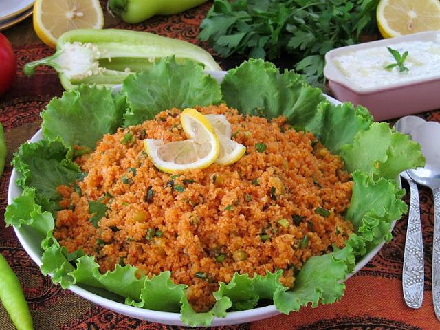«Кысыр» — салат из булгура и зелени по-турецки