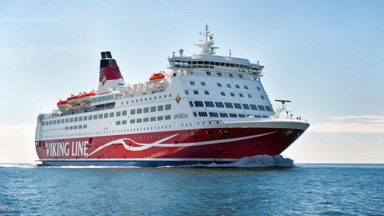 Пассажиры сняли видео с терпящего бедствие в Норвегии круизного лайнера