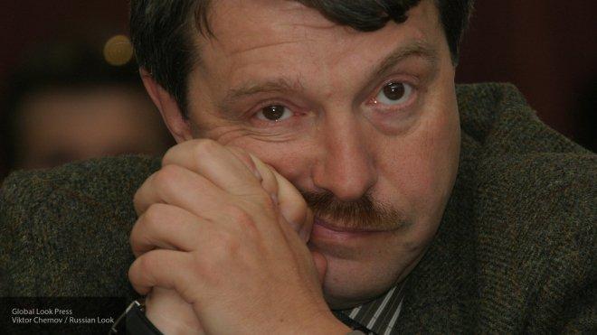 """Кузичев поставил на место призвавшего """"покаяться перед Западом"""" режиссера Амнуэля"""