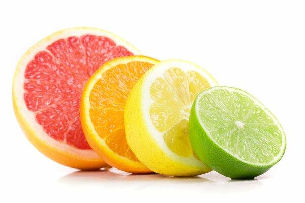 Апельсин, грейпфрут, лимон и лайм. Цитрусовые, благодаря большим содержанию витамина С, помогут преобразовать аминокислоты в коллаген.