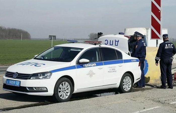 Зачем во время дежурства инспекторы ГИБДД открывают багажник в своем автомобиле