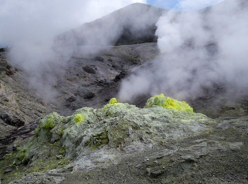 Кунашир: вулкан Менделеева