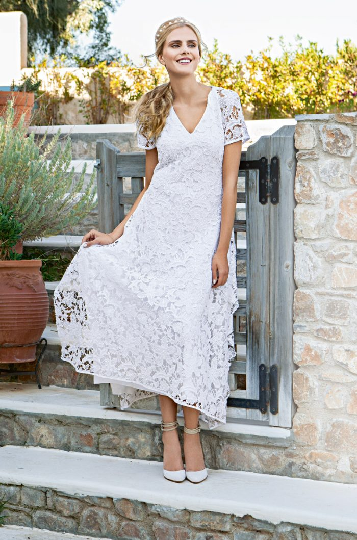 Летнее белое платье с кружевами. Бохо стиль