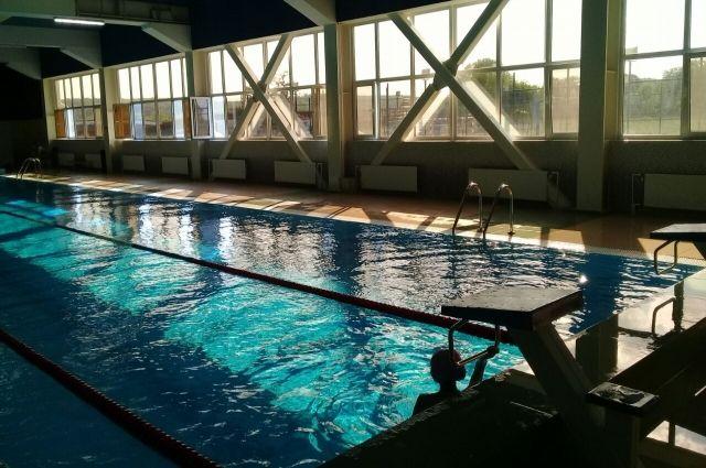 СК начал проверку по факту смерти школьника в бассейне в Подмосковье