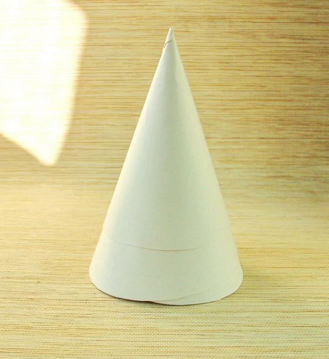 Бумажный конус