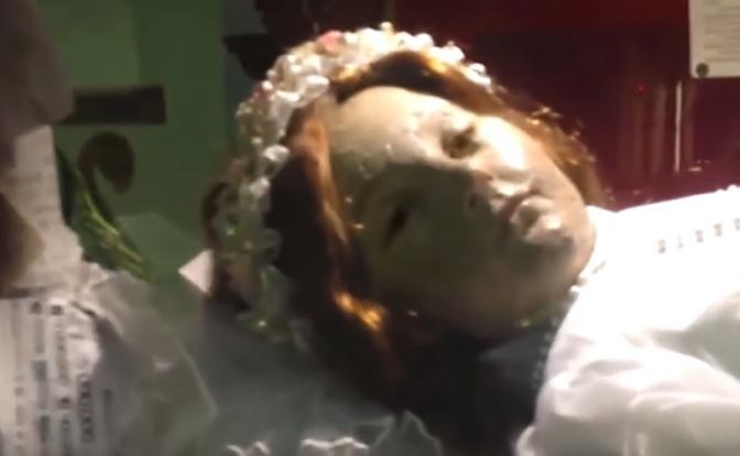 300-летняя мумия открыла глаза