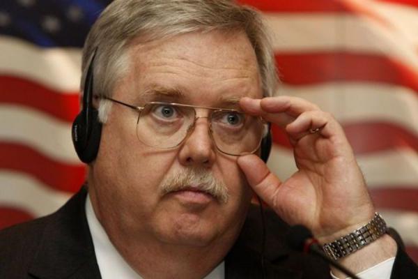 После увиденного в Москве в День Победы американский посол обратился к народам России и США