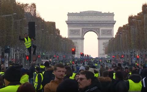 Против роста цен на топливо прошли массовые протесты. В Европе