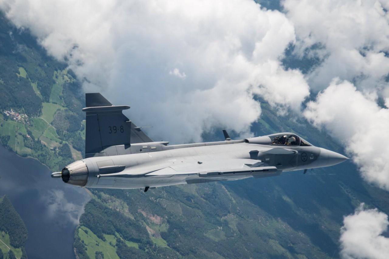 Первый полет истребителя Gripen E