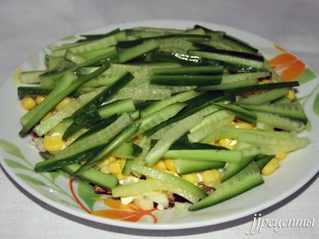 Огурцы в салате со шпротами фото