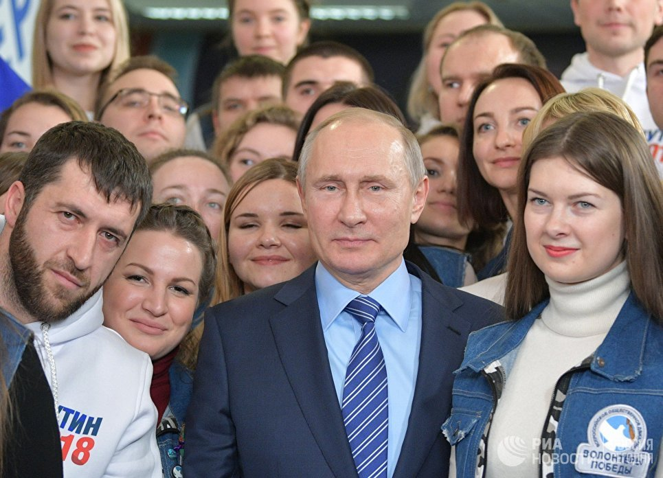Сергей Лукьяненко о том - что нужно, чтобы соревноваться с Путиным