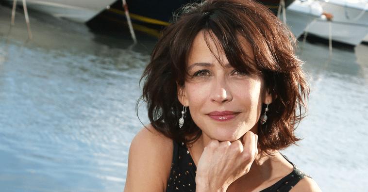 Быть француженкой: самые стильные образы актрисы Софи Марсо