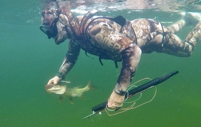 Подводная охота Путина на щуку. Видео