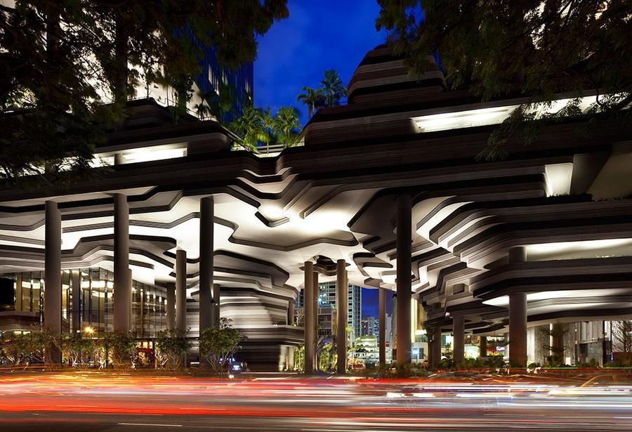 Parkroyal25 Уникальный сад на фасаде отеля в Сингапуре