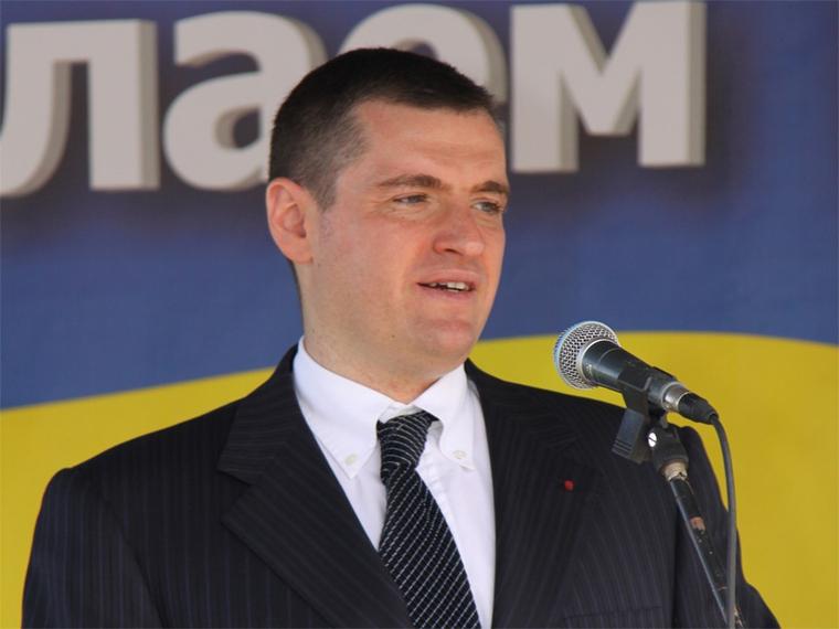 Депутат Госдумы обвинила в домогательствах Слуцкого журналисток «с голыми пупками». «Одевались бы поприличнее»
