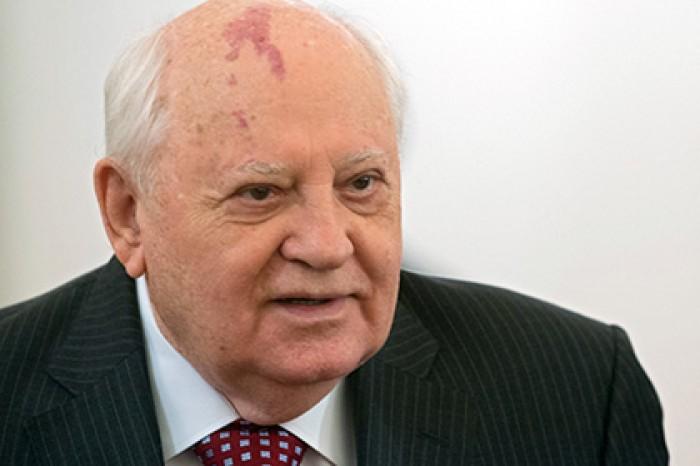 Горбачев обиделся на Путина за «сковородки»