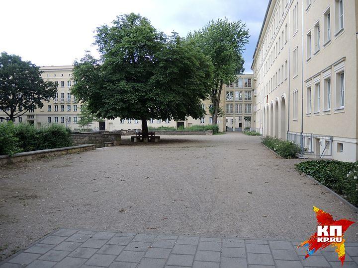 Жители бывшей ГДР: СССР нас бросил, а западные немцы ограбили и превратили в колонию