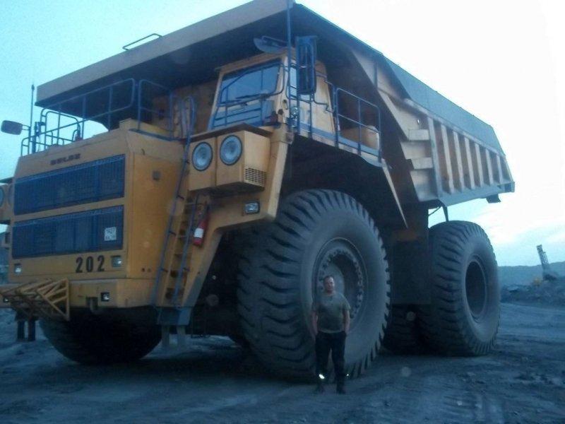 Работа на 220-тонном карьерном самосвале БелАЗ-75306