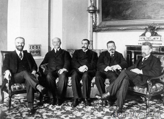 Bundesarchiv_Bild_146-1977-074-08,_Volksbeauftragte_Landsberg,_Scheidemann,_Noske,_Ebert,_Wissell