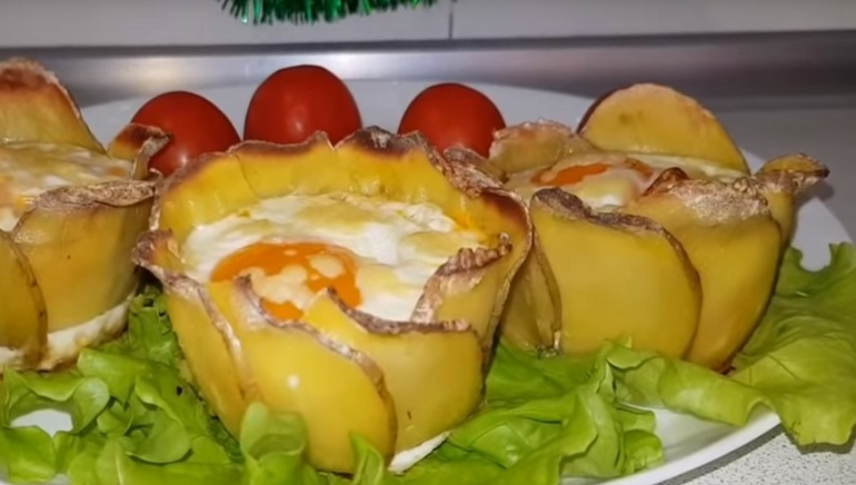 Чудо блюдо без хлопот: картофельные «розочки» с начинкой