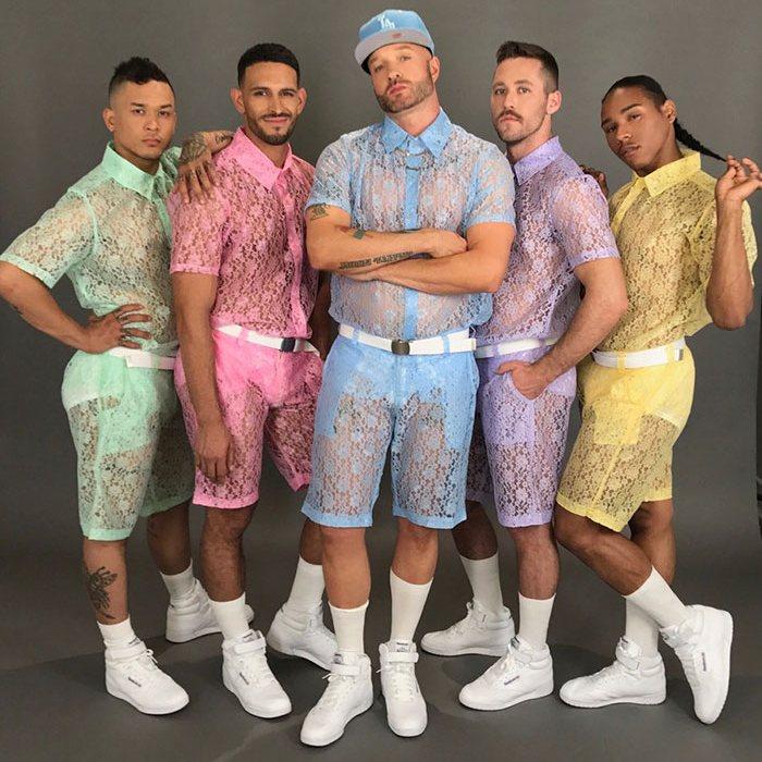 Модный хит: кружевные шорты для мужчин