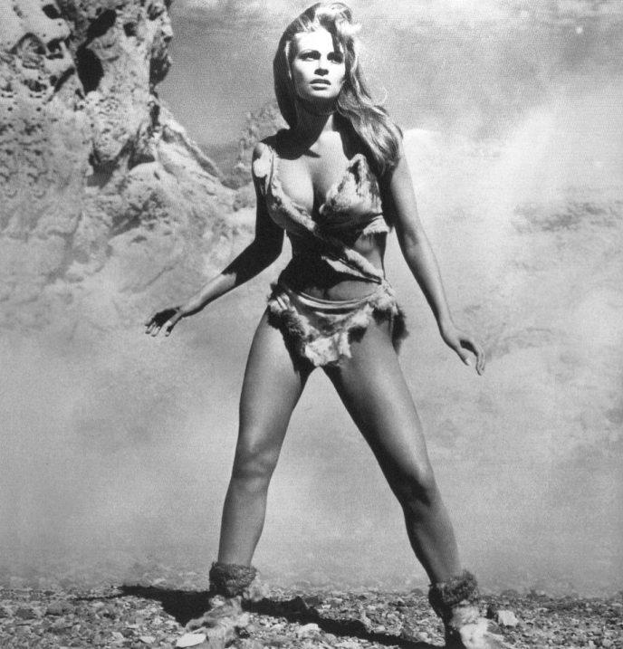 Секс-символ70-х Ракель Уэлч - актриса, прославившаяся благодаря бикини