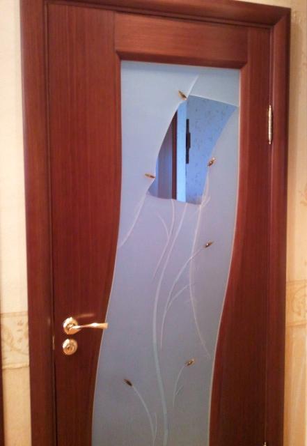 как заменить разбитое стекло в межкомнатной двери первом случае