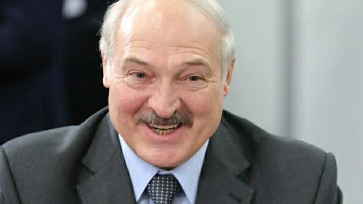 """Лукашенко запутался в показаниях. """"Хоть сейчас объединимся с Россией"""", но """"суверенитет - это святое"""""""