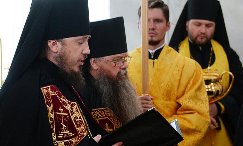 «Давайте не доводить до абсурда»: у орловского епископа появился Land Cruiser за 6 миллионов рублей