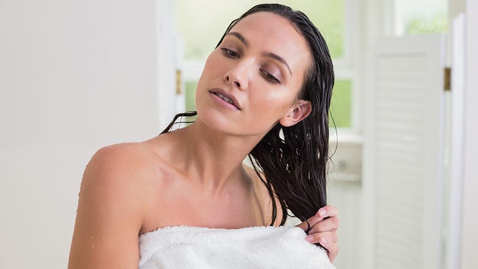 Советы, как можно быстро и правильно высушить волосы без фена