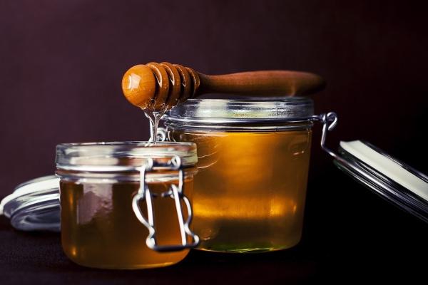 Как мед улучшает наши волосы и кожу: 7 причин добавить в рацион