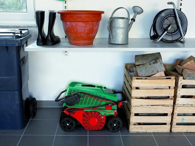 Как хранить садовую технику зимой