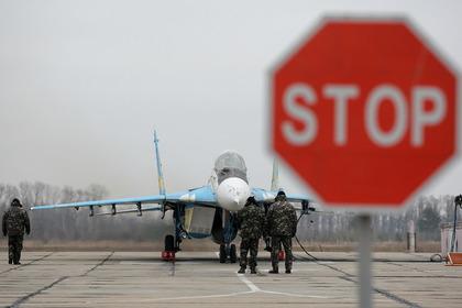 Военным разрешили сбивать нарушившие границу Украины самолеты