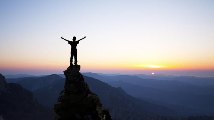 Зачем человек лезет в гору?