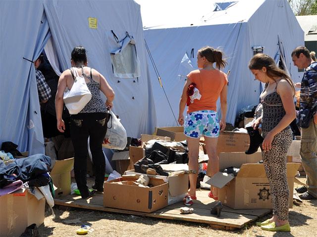 Украинские беженцы, уехавшие в Россию из-за конфликта на востоке страны, высказывают недовольство организацией их приема, на который, по словам премьер-министра Дмитрия Медведева, было выделено около пяти миллиардов рублей