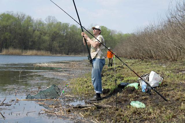 ловля весенней плотвы на поплавочную