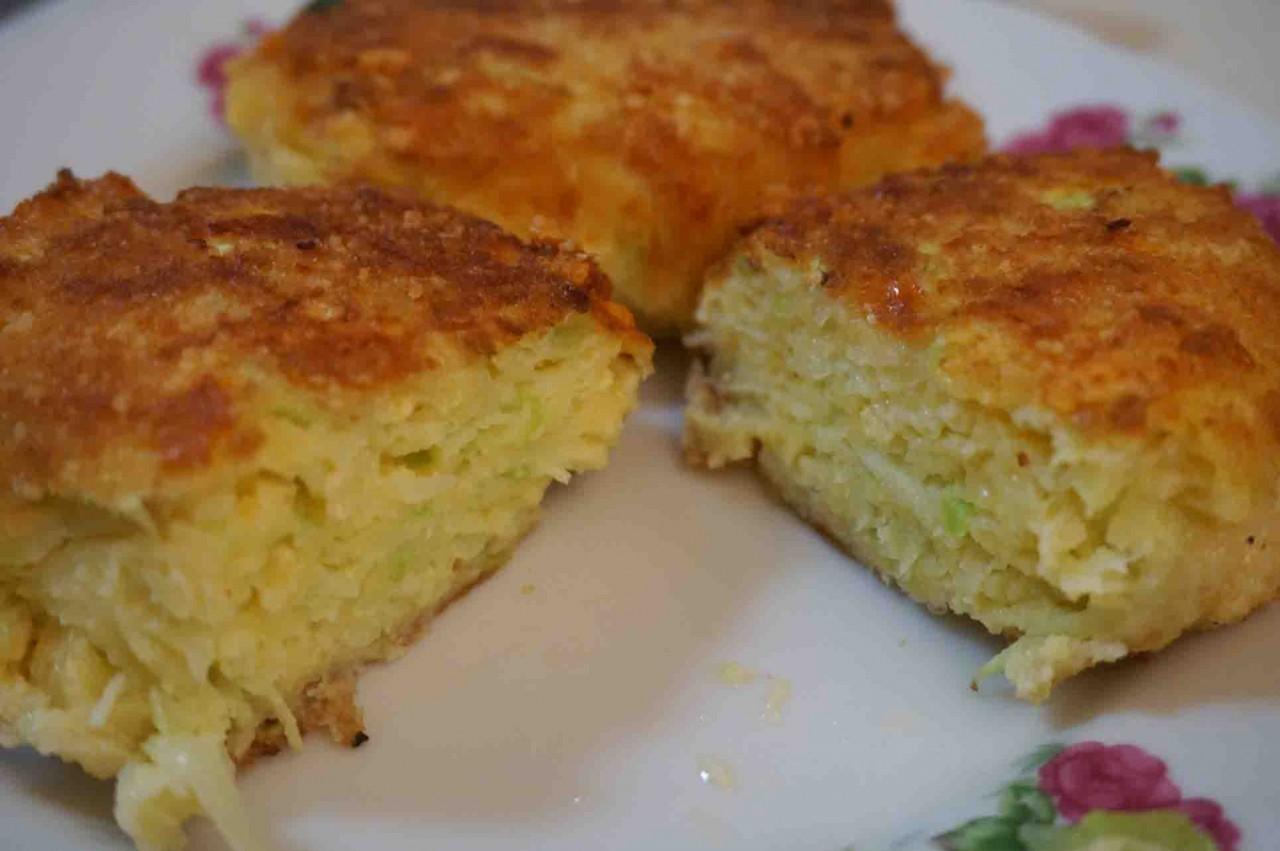 Котлеты кабачковые с сыром