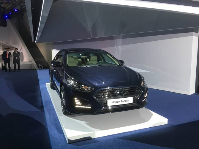 Hyundai возобновляет продажи в России бизнес-седана Sonata